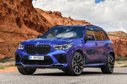 5. BMW X5 M Competition/BMW X6 M Competition. Sức mạnh của hai mẫu xe này đến từ động cơ Hemi V8 siêu nạp với dung tích 4,4 lít. Động cơ này sản sinh công suất tối đa 617 mã lực, mô-men xoắn cực đại 750 Nm. Thời gian tăng tốc từ 0-100 km/h trong 3,7 giây, vận tốc tối đa 290 km/h.
