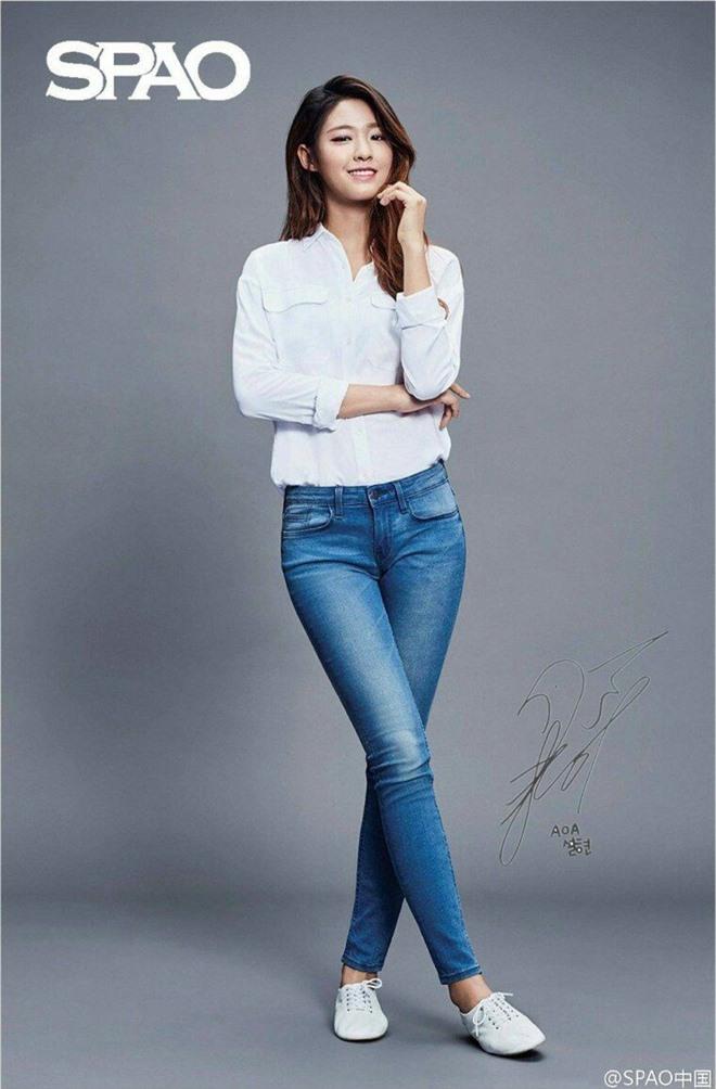Dàn mỹ nhân Kpop khi diện quần jeans áo trắng: Thước đo nhan sắc chuẩn là đây, một mỹ nhân nhờ vậy mà bỗng nổi sau 1 đêm - Ảnh 11.