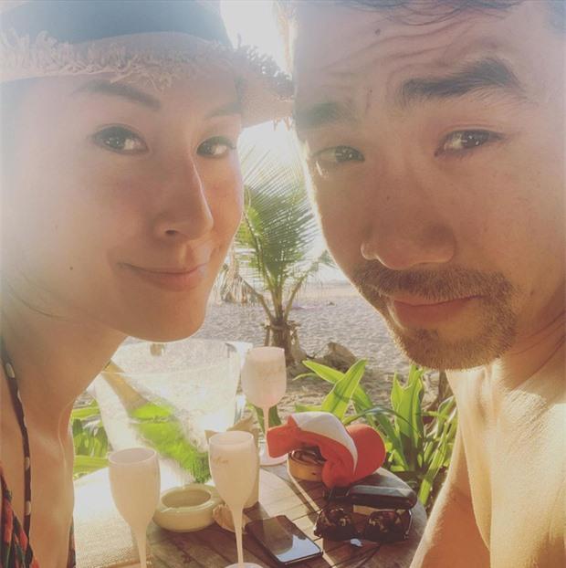Khi sao Vbiz bất ngờ công khai nửa kia: Phương Oanh và bạn trai cực tình, Kathy Uyên yêu bạn thân vợ chồng Hà Tăng sau 7 năm? - Ảnh 2.