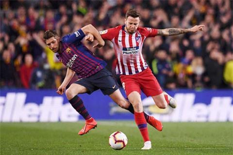 Barca (áo sẫm) và Atletico Madrid là hai đội của La Liga đi đầu trong việc giảm lương của các cầu thủ
