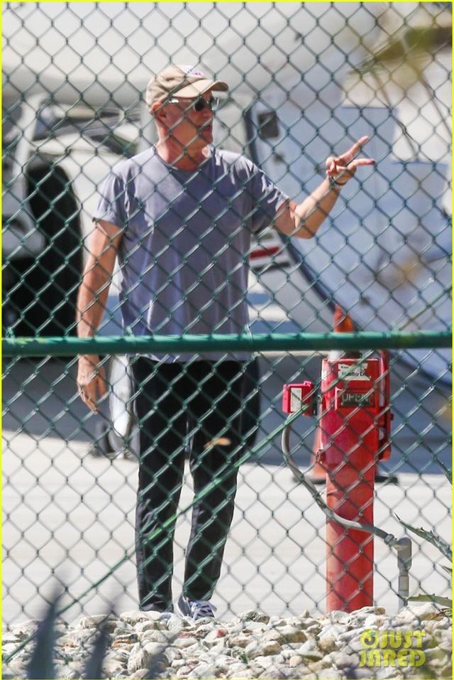 Vợ chồng Tom Hanks đã trở về Mỹ - Ảnh 1.