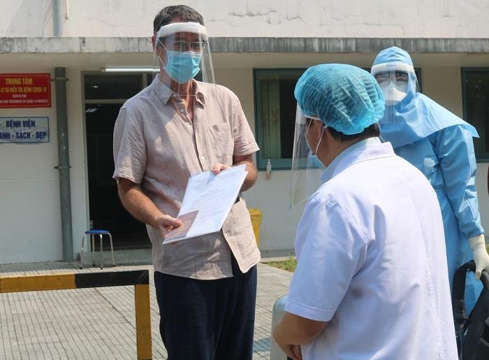Bệnh viện Trung ương Huế chữa khỏi ca nhiễm Covid-19 đầu tiên