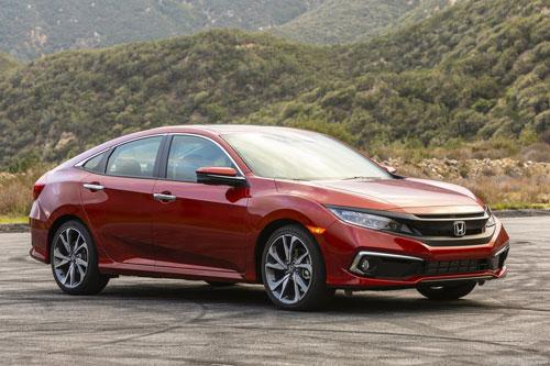 =2. Honda Civic EX Sedan 2020 (mức tiêu hao nhiên liệu ở đường hỗn hợp: 7,8 lít/100 km).