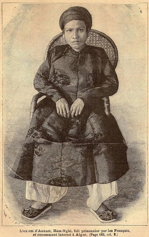 Hình ảnh cựu hoàng Hàm Nghi khi ông bị lưu đày tại Algeria năm 1889, in trên tạp chí Du hành (Journal des Voyages) của Pháp. Ảnh tư liệu.