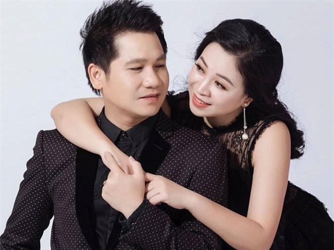 Chân dung người vợ xinh đẹp ít được lên sóng của danh ca nhạc đỏ Trọng Tấn 1