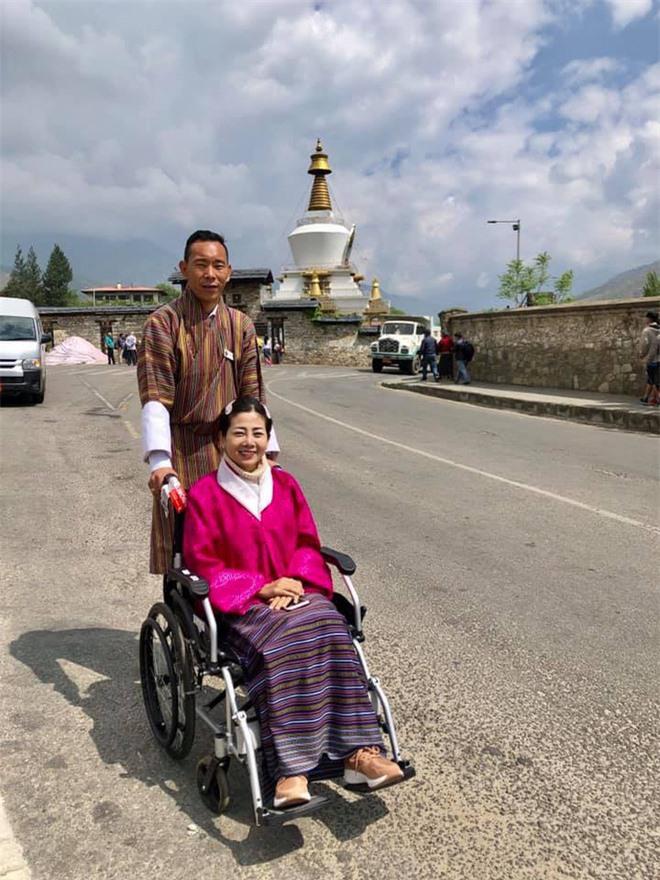 Ốc Thanh Vân chia sẻ clip chuyến đi tới miền hạnh phúc với Mai Phương: Lúc cầu nguyện, nước mắt rơi không ngừng em ơi - Ảnh 5.