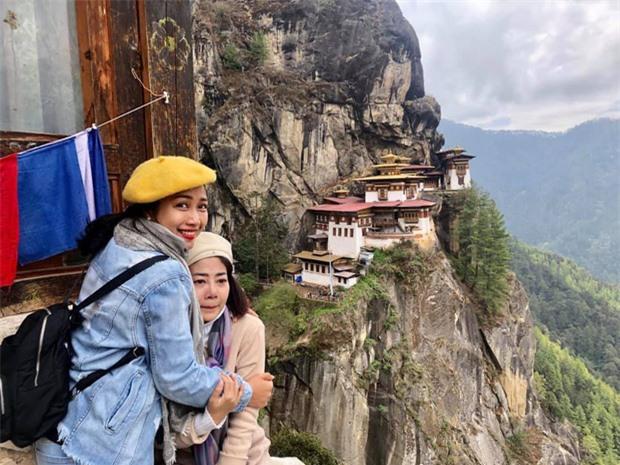 Ốc Thanh Vân chia sẻ clip chuyến đi tới miền hạnh phúc với Mai Phương: Lúc cầu nguyện, nước mắt rơi không ngừng em ơi - Ảnh 7.