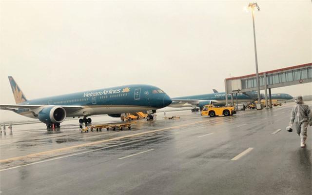 Vietnam Airlines hạn chế tần suất bay nội địa - Ảnh 1.