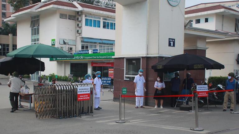 Công tác cách ly chống dịch Covid-19 tại Bệnh viện Bạch Mai.