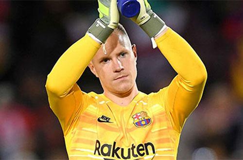 Chuyện thật như đùa: Barca đang sở hữu thủ môn 'chẳng biết gì về bóng đá'