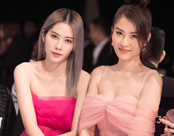 Nam Anh - Nam Em được biết tới là cặp chị em song sinh sở hữu nhan sắc vô cùng nổi bật.