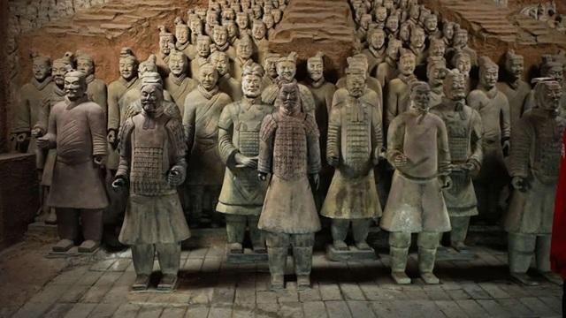 Đội quân đất nung của Tần Thuỷ Hoàng đến nay sau hang nghìn năm vẫn còn nhiều bí ẩn chưa được giải đáp.