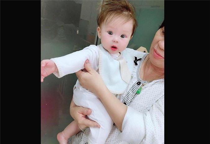 """3 hotgirl MXH chi tiền tỉ """"đập mặt xây lại"""", sinh con ra càng lớn càng đẹp lạ kì - 7"""