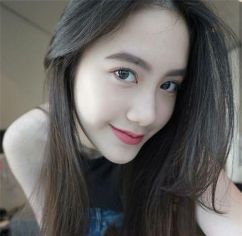 Cận cảnh nhan sắc hot girl gốc Việt số 1 tại Lào - 1