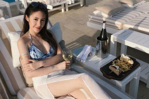 Cận cảnh nhan sắc của 'hot girl' gốc Việt số 1 tại Lào