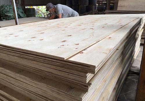 Xuất khẩu đồ gỗ đứng trước nguy cơ suy giảm về kim ngạch lần đầu tiên trong 20 năm qua (Ảnh: Internet)