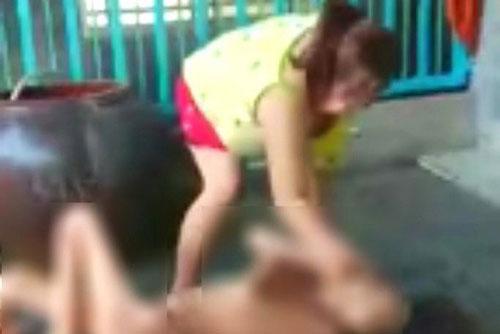 """Làm rõ clip """"con gái ngược đãi mẹ già"""" lan truyền trên mạng xã hội"""