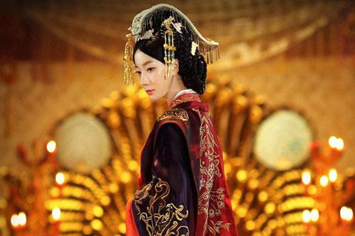 """Viên Tề Quy - vị hoàng hậu dùng tiền thử lòng đế vương và """"câm lặng đến chết"""" để đưa kẻ bạc tình cùng tình địch xuống cửu tuyền"""