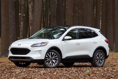 =5. Ford Escape (mức tiêu hao nhiên liệu ở đường hỗn hợp: 9,4 lít /100 km).