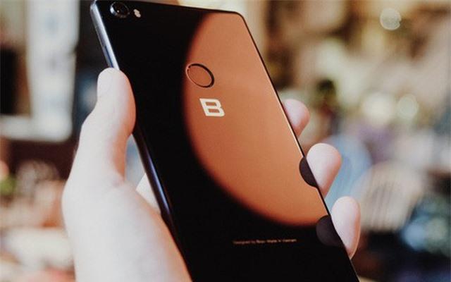 Bphone 4 có tên gọi chính thức là Bphone B86, không có phím bấm - 2