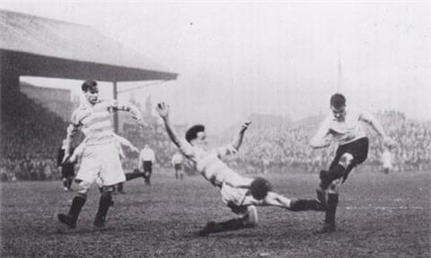 Trận đấu giữa Stockport và Doncaster kéo dài tới 203 phút