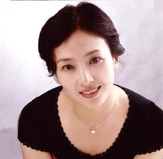 Người hâm mộ 'choáng' khi sao Hoa ngữ 'khoe' hình ảnh thời con gái của mẹ mình  - Ảnh 3