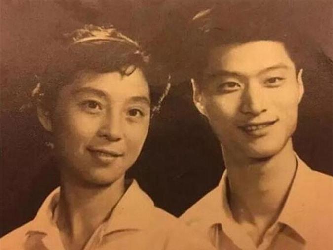 Người hâm mộ 'choáng' khi sao Hoa ngữ 'khoe' hình ảnh thời con gái của mẹ mình  - Ảnh 7