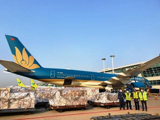 Chiếc Airbus A350 mang só hiệu VN6415 - chuyến tàu chở hàng thuần túy đầu tiên của VNA tới Hàn Quốc.