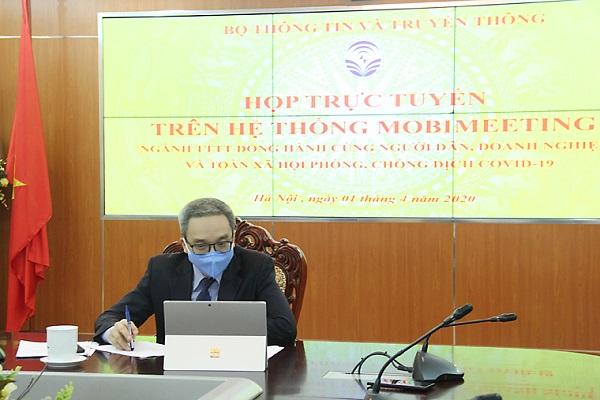 Thứ trưởng Bộ TT&TT Phan Tâm đã chủ trì buổi họp trực tuyến trên hệ thống Mobimeeting
