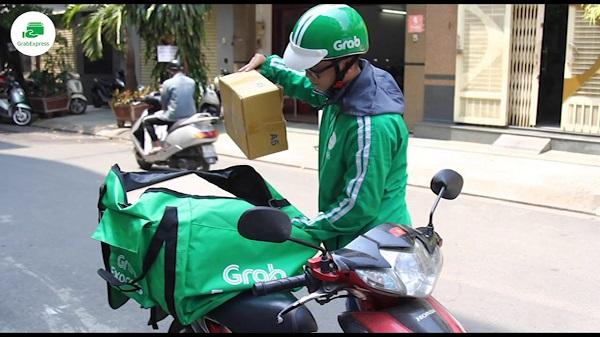 Dịch vụ GrabExpress vẫn được duy trì cung cấp để thúc đẩy mua sắm trực tuyến.