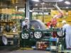 Thị trường 'đóng băng', doanh nghiệp ô tô xin gói cứu trợ
