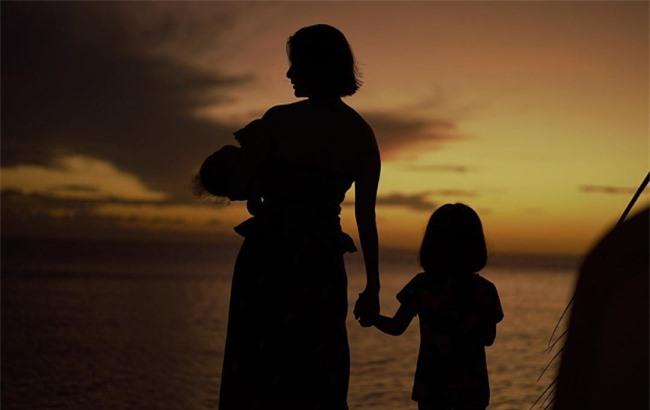Trên trang cá nhân, Dingdong Dantes ghi lại nhiều hình ảnh ý nghĩa của bà xã và các con trong kỳ nghỉ.