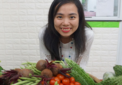 Phạm Thị Bích Lan có niềm đam mê với rau quả sạch hữu cơ