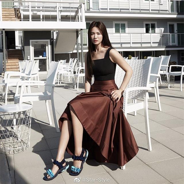 """Song Hye Kyo hậu ly hôn: """"Tôi thích một mình lúc nửa đêm"""" - 3"""