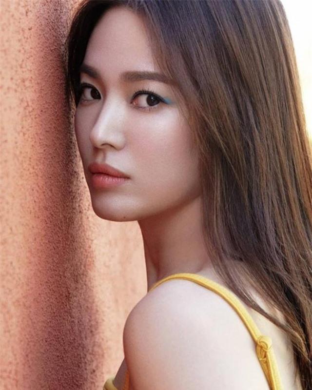 """Song Hye Kyo hậu ly hôn: """"Tôi thích một mình lúc nửa đêm"""" - 4"""