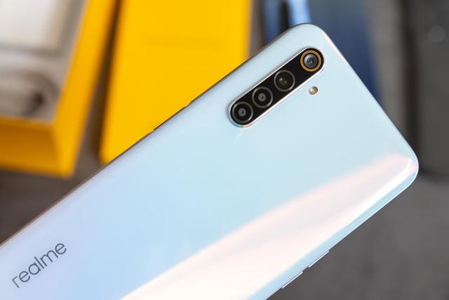 Đập hộp Realme 6 màn hình 90Hz giá từ 6 triệu đồng