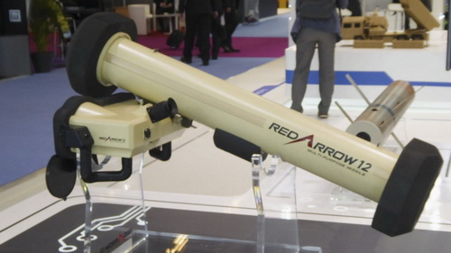 Tổ hợp tên lửa chống tăng có điều khiển vác vai HJ-12E do Trung Quốc chế tạo. Ảnh: Jane's 360.