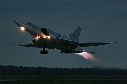 Nga tiếp tục thử nghiệm máy bay ném bom tầm xa Tu-22M3M