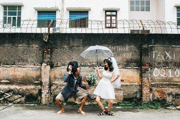 Chú rể Nguyễn Văn Hưng và cô dâu Hoàng Phương Uyên