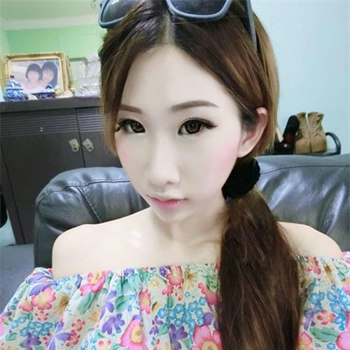 4 bà mẹ đẹp như hotgirl nổi tiếng cộng đồng mạng Singapore - 12