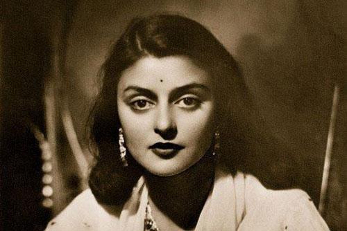 Nhan sắc đi vào lịch sử của hoàng hậu đẹp nhất Ấn Độ và nỗi đau đến khi qua đời cũng không nguôi