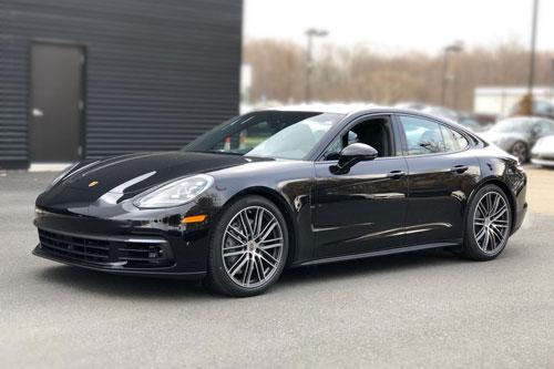 9. Porsche Panamera.