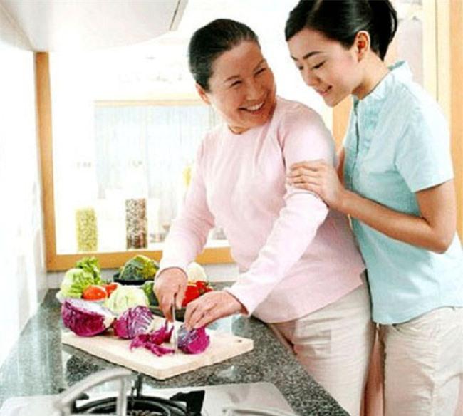 Bỏ qua bước xin dâu để hóa giải khi con dâu khắc tuổi mẹ chồng