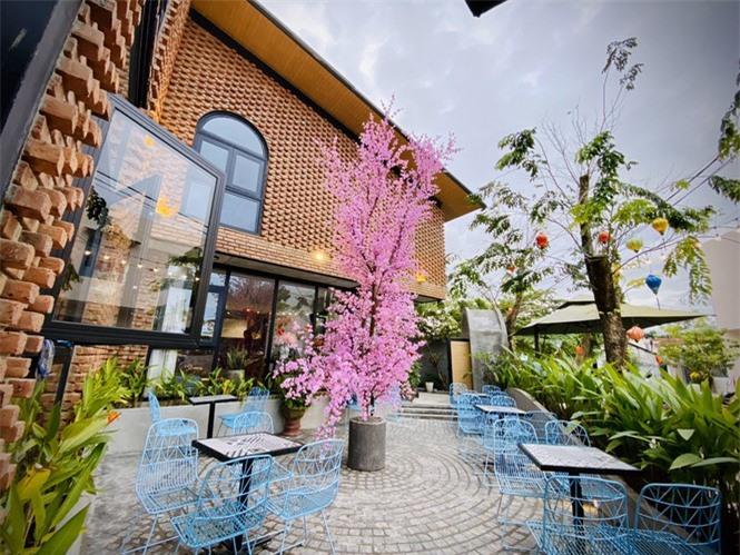 Ngôi nhà kết hợp quán cafe đẹp lạ nhờ nghệ thuật xếp gạch gây mê - ảnh 4