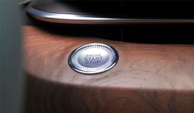 Soi chi tiết sedan hạng sang Genesis G80 mới - 26