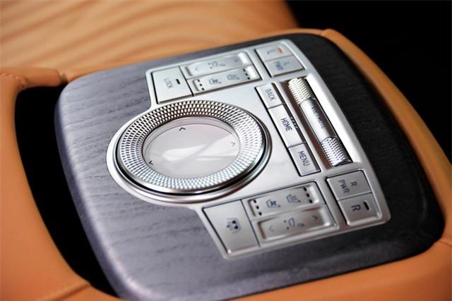 Soi chi tiết sedan hạng sang Genesis G80 mới - 36