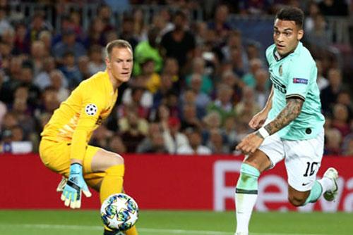 Barca dùng lương 'khủng' để 'dụ' Lautaro Martinez