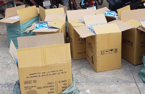Long An: Thu giữ hơn 20.000 khẩu trang tái chế chuẩn bị đưa ra thị trường