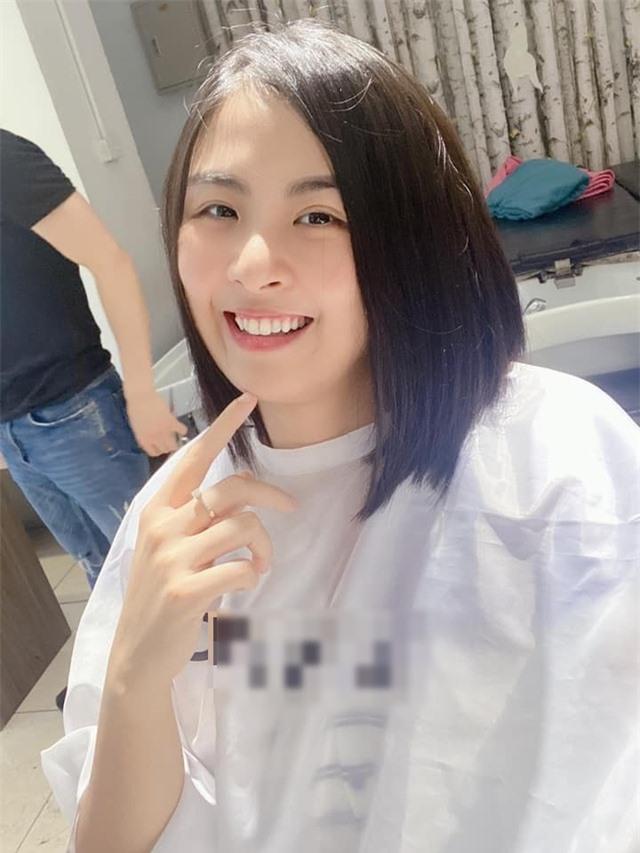 """Hoa hậu Ngọc Hân gây """"choáng"""" khi mạnh tay cắt tóc ngắn sau nhiều năm - 11"""