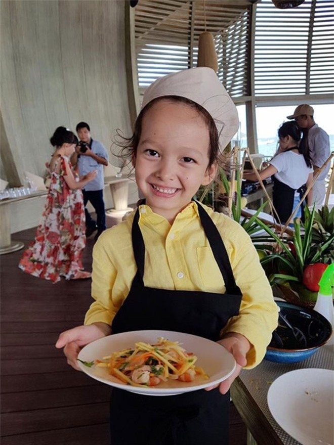 """Khoe con gái xinh làm bếp trưởng nhưng Hồng Nhung tiếc """"đứt ruột"""" vì quên mất một điều - 10"""